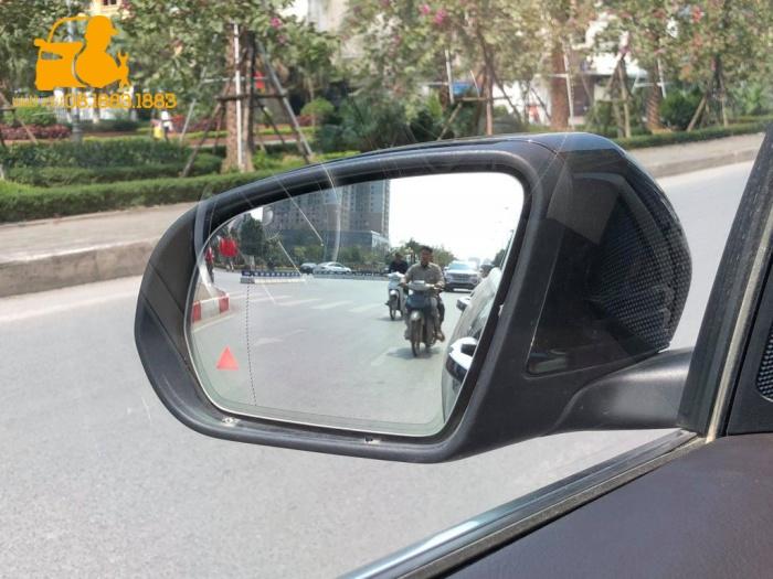 Cảnh báo điểm mù Mercedes Benz khu Phú Mỹ Hưng