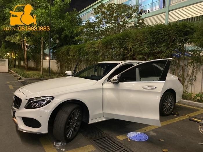 Cảnh báo điểm mù xe Mercedes Benz trên gương
