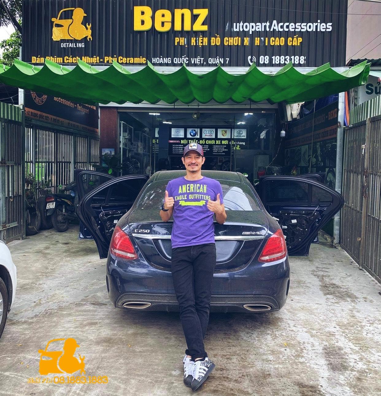 Diễn viên Huy Khánh độ xe tại Phụ kiện Xe Sang Mercedes Benz